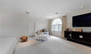 F-Scott-Fitzgeralds-bedroom2-b814c7